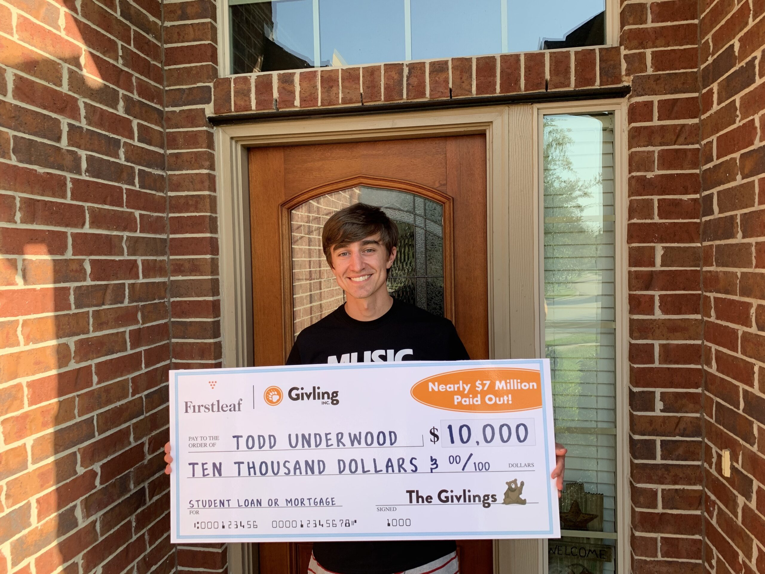 """""""My Wife is Going to Freak Out"""": Spring, Texas Man Surprised with $10,000 Towards Student Loans"""